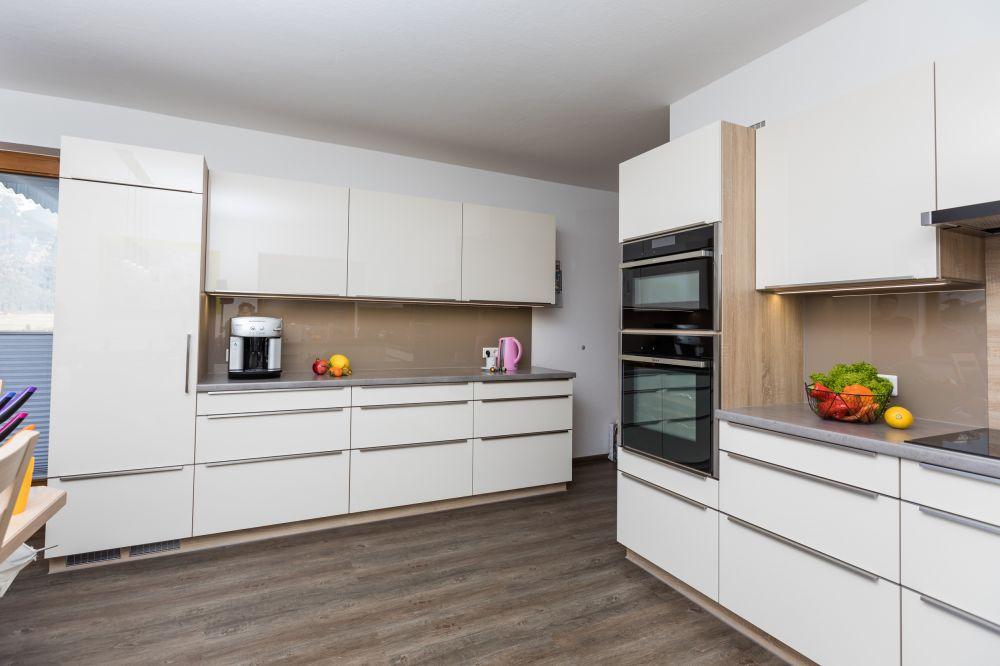 k che cappuccino tischlerei wolfgang s. Black Bedroom Furniture Sets. Home Design Ideas